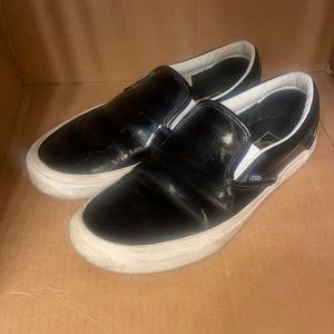 Vans Off the Wall slip-on loafers